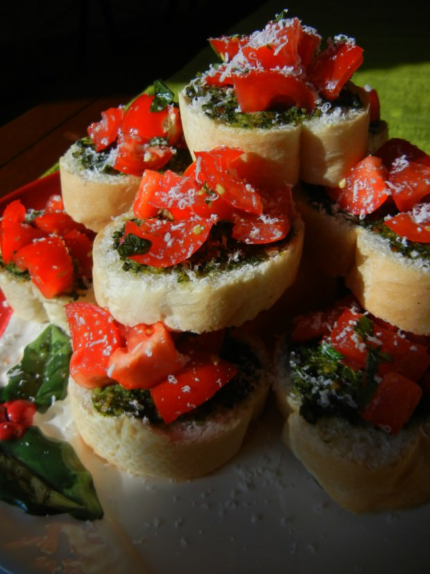 Bruce, Getta Yourself a Christmas Treat, Pronto (Pesto!)