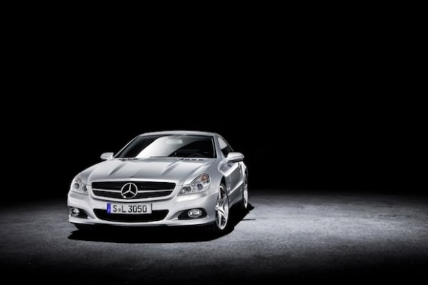 New Mercedes SL:  Slimmer but not trimmer – More desirable than ever!