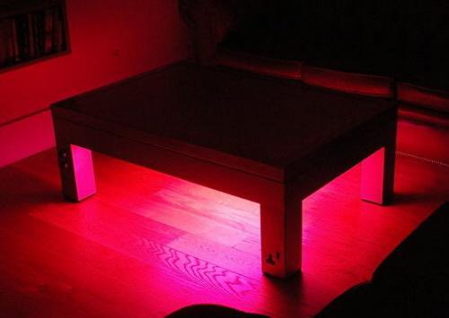 567-1250622823-illuminating_coffee_table_suck_uk