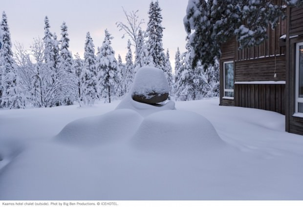 Kaamos-hotelroom-outside-photo-by-Big-Ben-2007