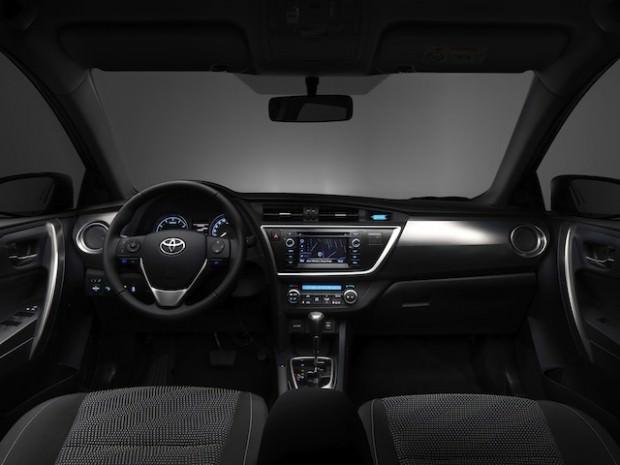 New_Toyota_Auris_06_2012