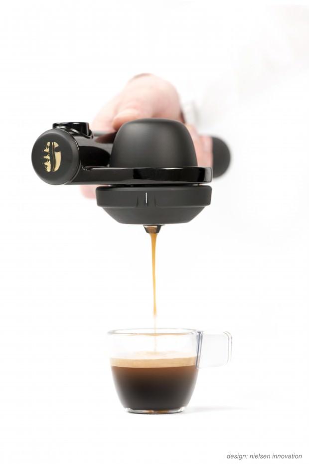 The Espresso Machine Handpresso Wild: Green and Portable