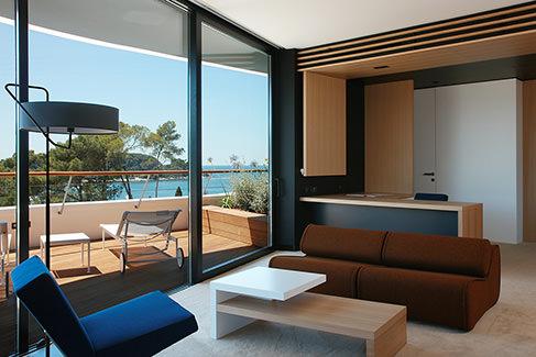 Lone-bedroom-0