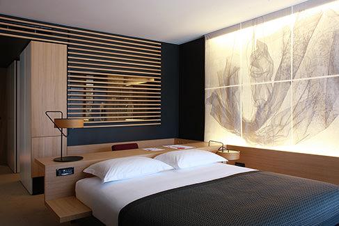 Lone-bedroom-3