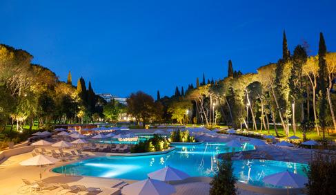 Lone-swimming-pool-night