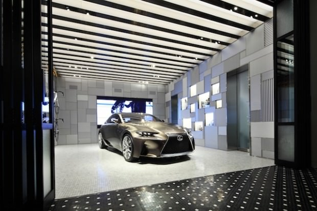 INTERSECT-1F-garage-from-entrance