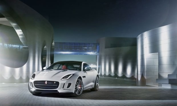 Jag_F-TYPE_R_Coup__Polaris_Image_201113_14_LowRes